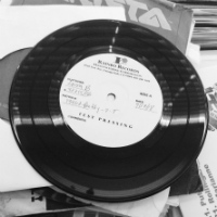 DJ PNUTZ:  Pretty Good For A Girl/ Play That Beat Mrs DJ (Vinyl 7