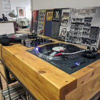 B SIDE RECORDS: Vinyl records store opens in Newbury